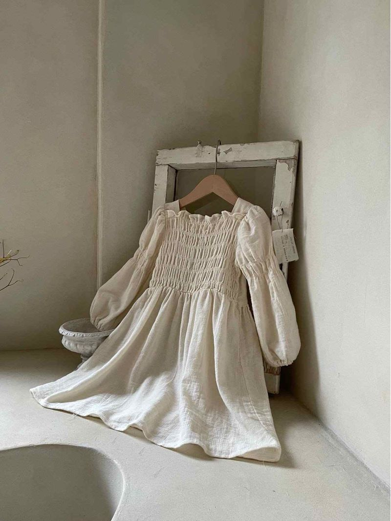 Front-Smocked-Puff-Sleeve-Dress_11zon